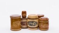 Мед в деревянной таре